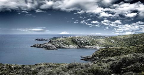 Landscape--karge-Huegellandschaft-am-Meer---Cap-Creus--CostaBrava--Spanien