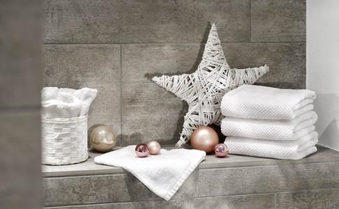Home/Living/Dekoration - Handtuchstapel weihnachtliche Deko