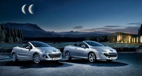 Transportation - Peugeot CC Nachtaufnahme mit Halbmond_Suedfrankreich