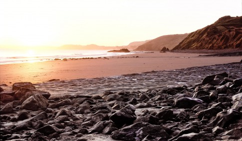 Landscape---Sonnenuntergang-steinige-Bucht---Cap-Frehel-Bretagne