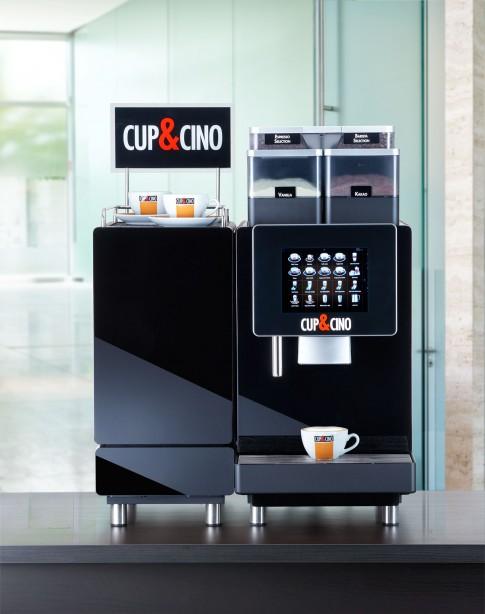 """Stillife-Fotografie """"KaffeeMaschine BL600 von CUP&CINO mit Selbstreinigungstechnologie"""