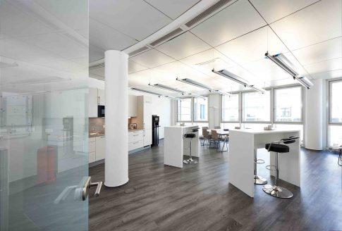 Architekturfotografie---Innenarchitektur-Businessgebaeude