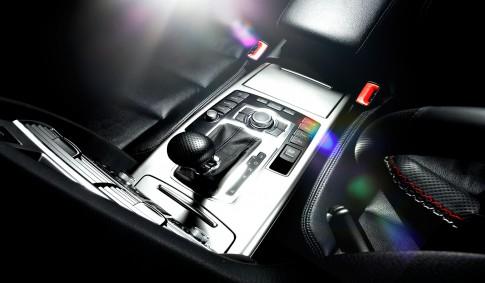 Transportation - Audi A6 Mittelkonsole mit Lens Flare_ Studio39 Duesseldorf