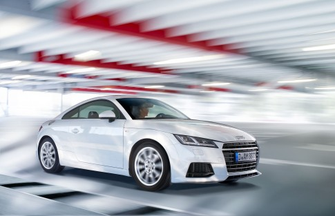 Audi TT     -    Parkhaus-Airport-Duesseldorf