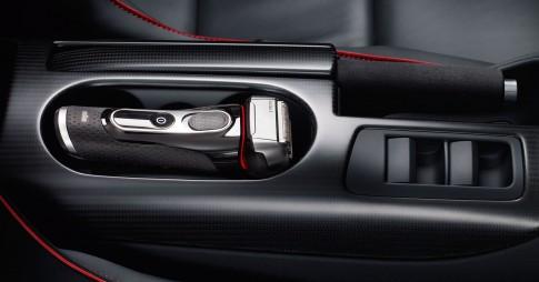 Stillife - Braun-Rasierer Series5_Mittelkonsole-Audi-R8_Thomas Borho Fotografie