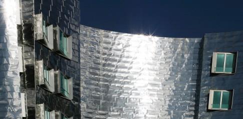 Architektur--Metallfassade-Gehry-Haus---Duesseldorf-MedienHafen
