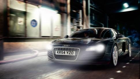 Transportation - Audi-R8 Fahraufnahme Nacht_London-Docks