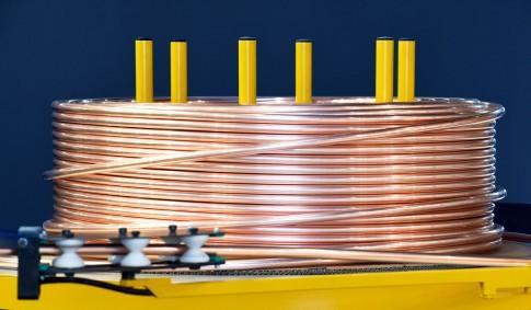 Industriefotografie---BLM-GROUP---Kupferrohr-Rolle