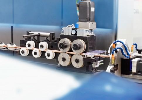 Industriefotografie---BLM-GROUP---Kupferrohrformer-Anlage