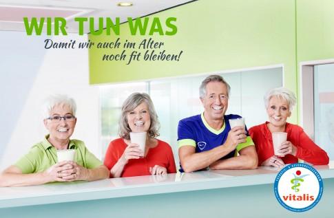 Fitness im Alter - Vitalis Marketingkampagne  -  BestAger mit Milkshake